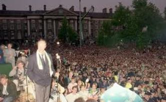 Jack Charlton at Ireland&#039;s homecoming reception in Dublin in 1990.