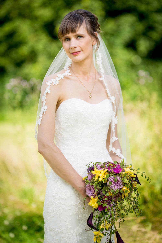 Smuk brud på en flot bryllupsdag