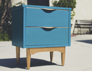 mid-century end table – after