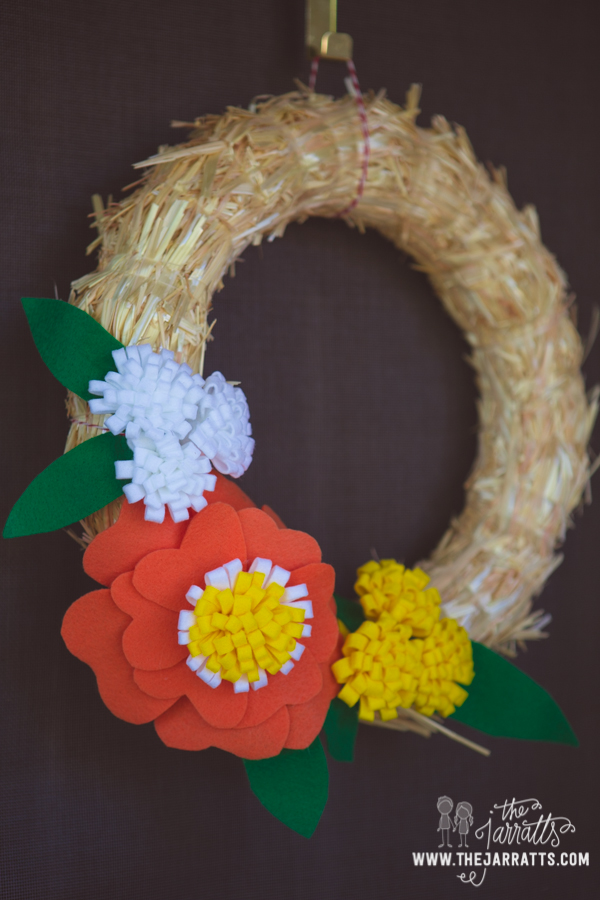 Wreath with felt flowers savannah made