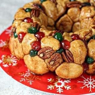 Homemade Christmas Monkey Bread
