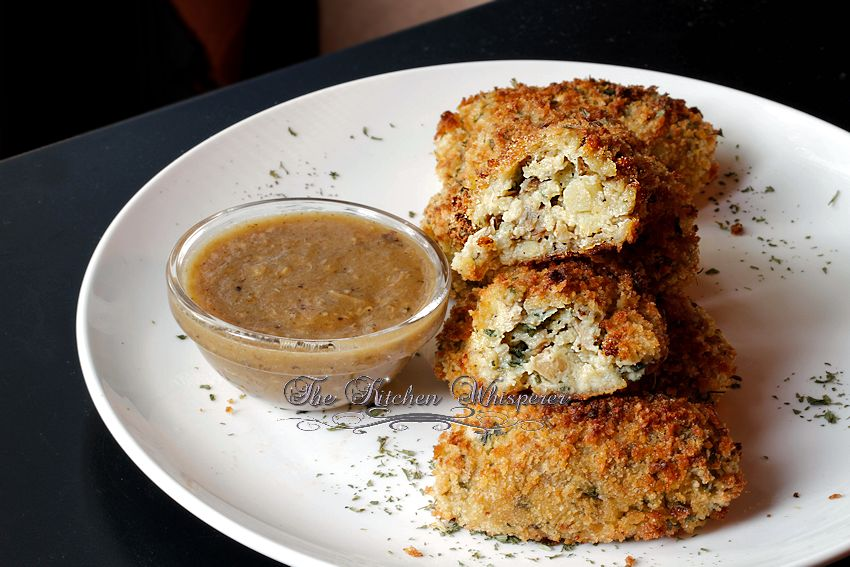 turkey and mashed potatoes to make these baked turkey croquettes