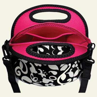 black Lindsays Lunchbox #10
