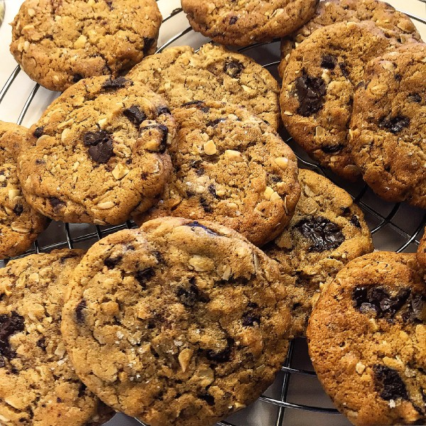 Peanut Butter Chocolate Chunk Oatmeal Cookies | The Lemon Apron