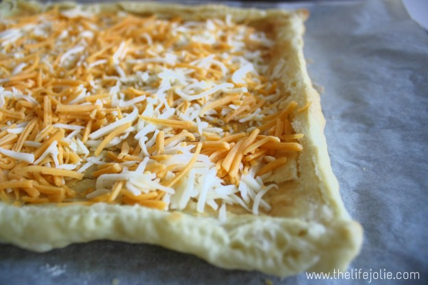 Puff Pastry Breakfast Pizza | The Life Jolie