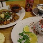 tacos-al-pastor-y-chile-en-nogada-yug-vegetariano