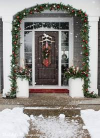Vintage Sled Front Door Decor - The Lilypad Cottage