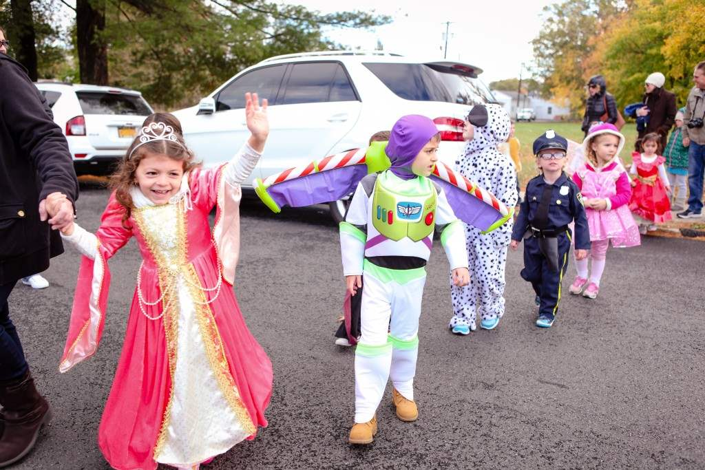 2016_10_28-halloween-parade-029-edited