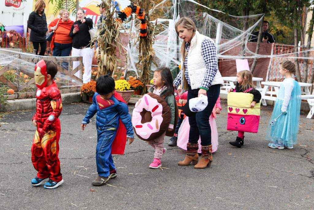 2016_10_28-halloween-parade-049-edited