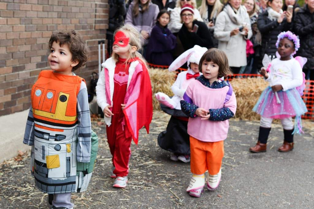 2016_10_28-halloween-parade-051-edited