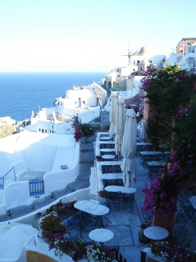 Grecia_Santorini_caldera_Oia_photo_credit@thelostavocado (1)