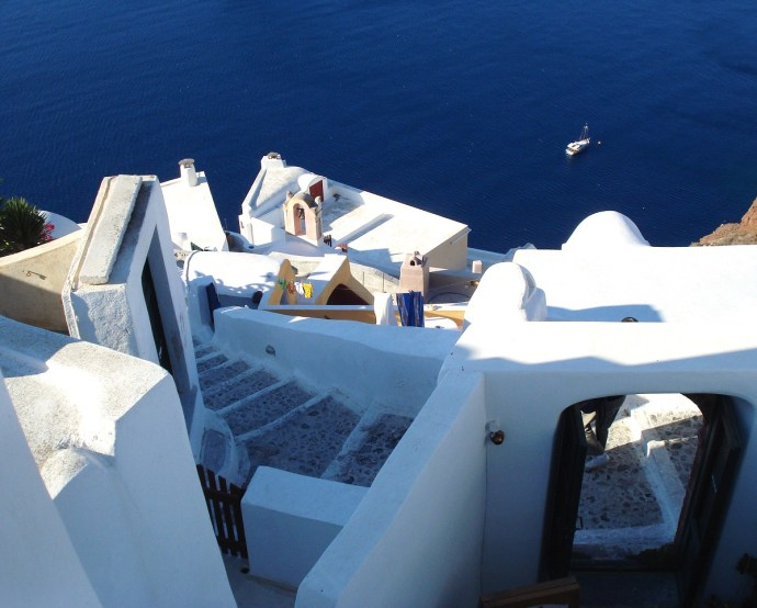 Grecia_Santorini_caldera_Oia_photo_credit@thelostavocado (17)