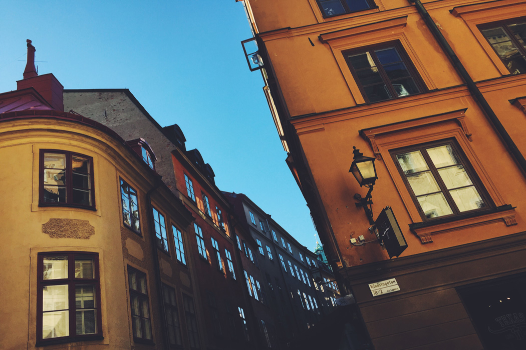 Gamla-Stan-Stoccolma-Svezia-Photo-credit-by-Thelostavocado.com