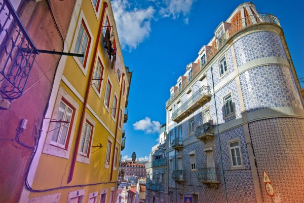 lisbon'photo'credit'by'thelostavocado.com