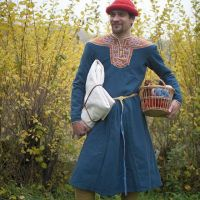 Traditional dress of France: Found in many versions
