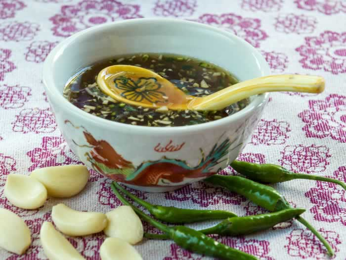 Spicy vietnamese dipping sauce nuoc cham lunacafe for Viet huong fish sauce