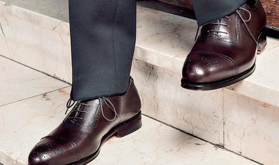 ¿Cómo combinar traje con zapatos?