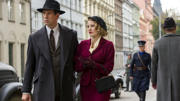 Johan Heldenbergh and Jessica Chastain in The Zookeeper's Wife