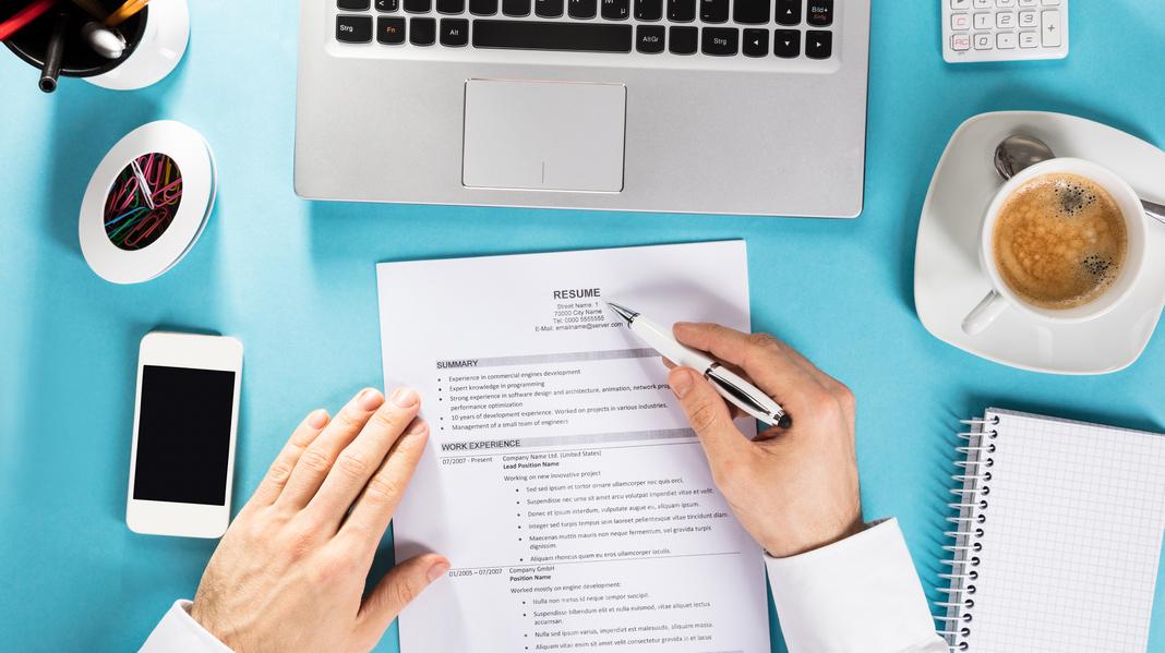 How to Write a Winning Resume - The Money Alert