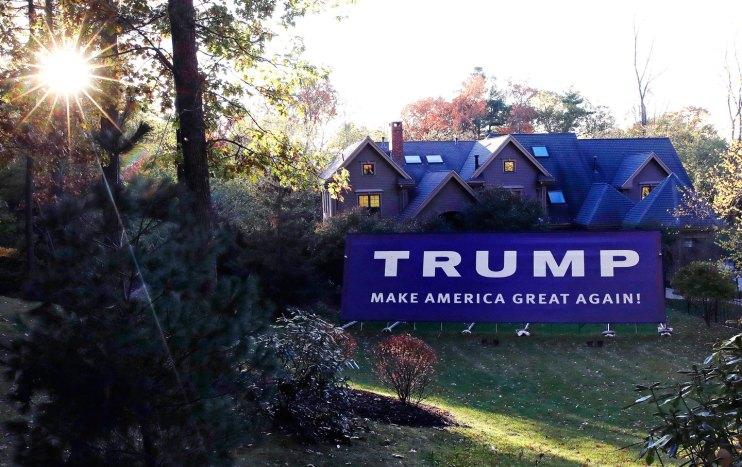 Trump campaign yard sign