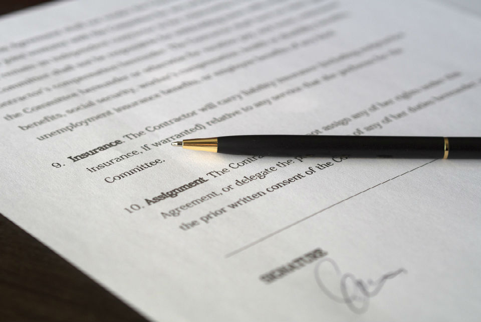 Checklist for signing a contract - The Newbie Guide to Sweden