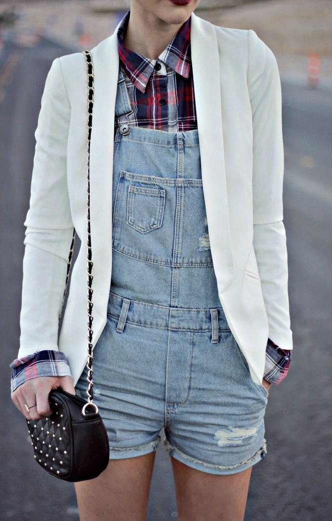overalls-plaid-shirt-blazer-white-blazer-jacket-leopard-print-platinum-hair-las-vegas-fashion-blogger-lindsey-simon-5