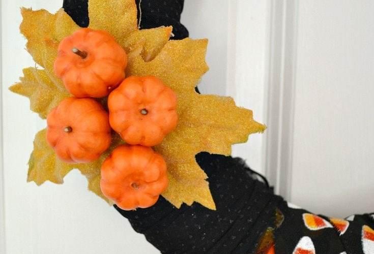 Make it! 15-Minute Modern Halloween Wreath