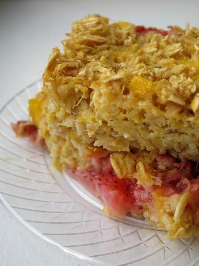 strawberry-mango-baked-oatmeal-25285-2529