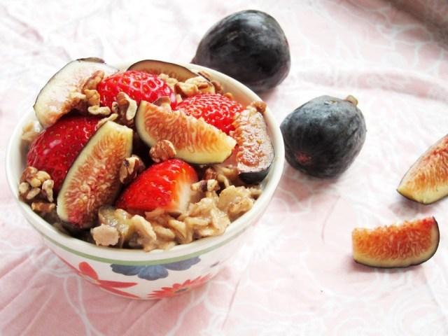 berry-fig-oatmeal-25284-2529