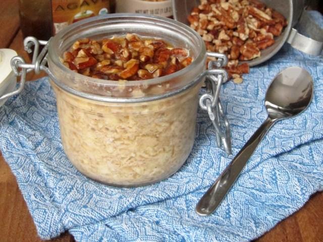 Caramel-Pecan Roll Overnight Oatmeal - The Oatmeal Artist