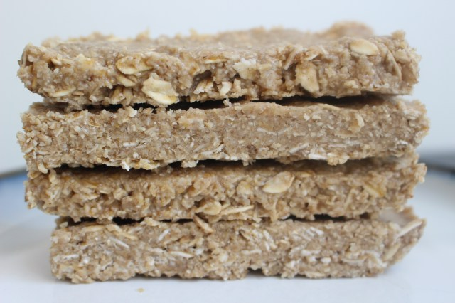 Four-Ingredient-Fudgy-Oat-Bars