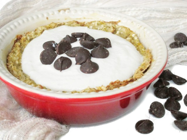 Cannoli Baked Oatmeal with Cashew-Yogurt Cream #vegan