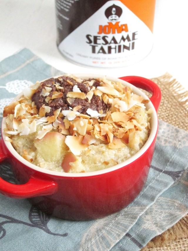 Apple Oatmeal with Chocolate Tahini and Coconut #oatmealartist #vegan