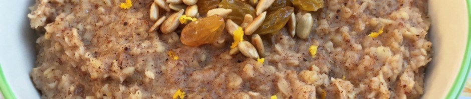 Spiced Parsnip Oatmeal #vegan #breakfast