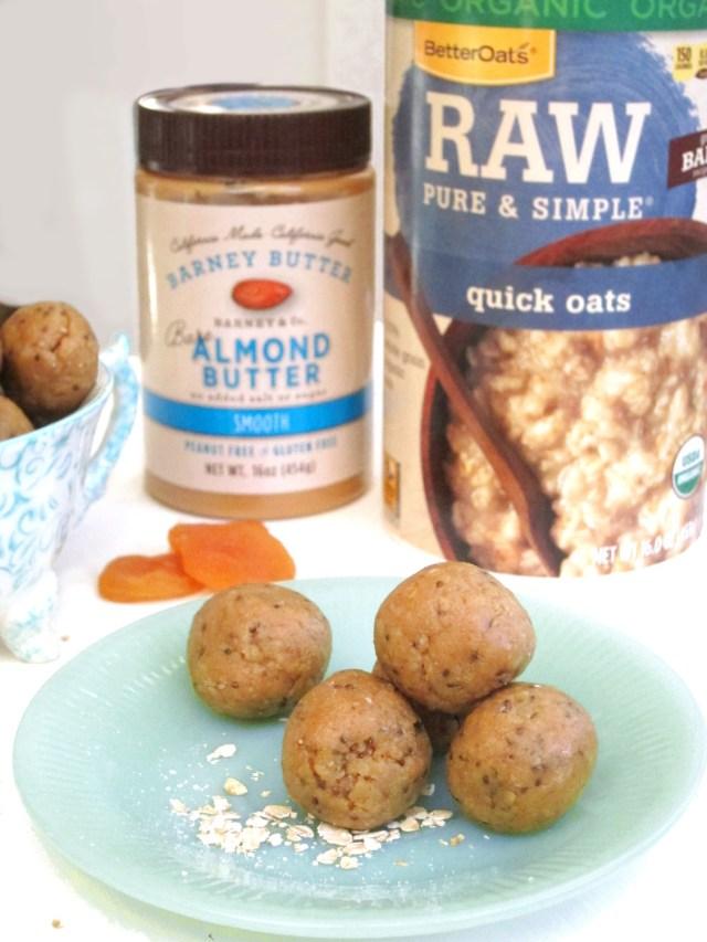 Apricot Almond Butter Bites #Vegan #OatmealArtist