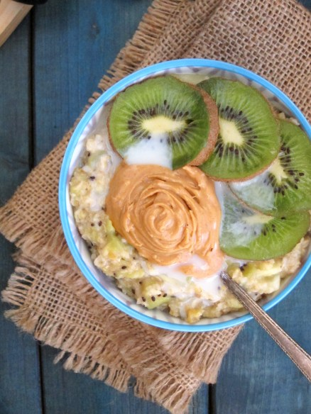 Pineapple Kiwi Oatmeal with Coconut-Peanut Butter
