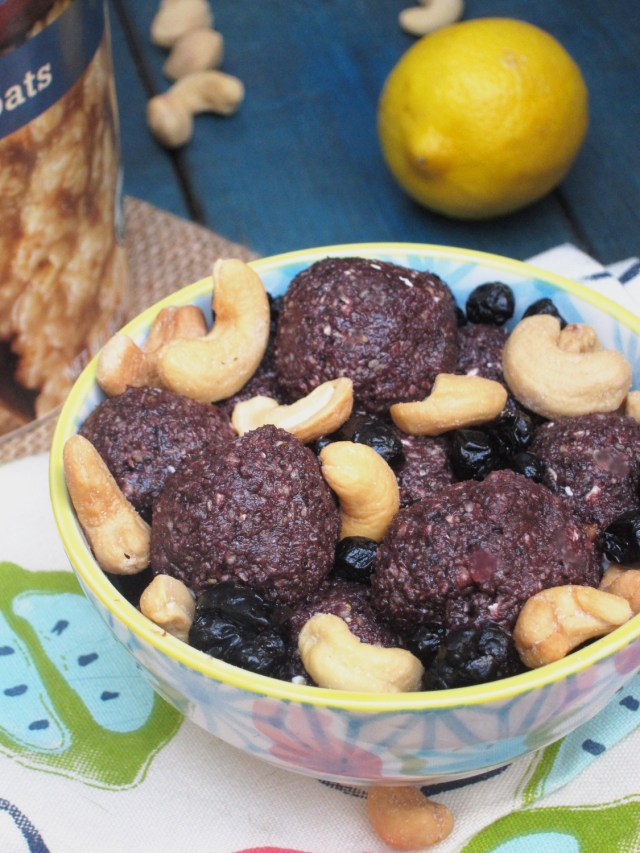 Blueberry Pie Oatmeal Bites by the Oatmeal Artist
