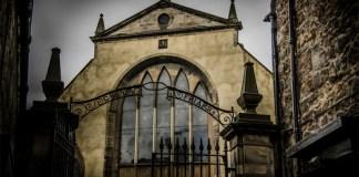 Beyond the Grave: Greyfriars Kirkyard and the Mackenzie Poltergeist