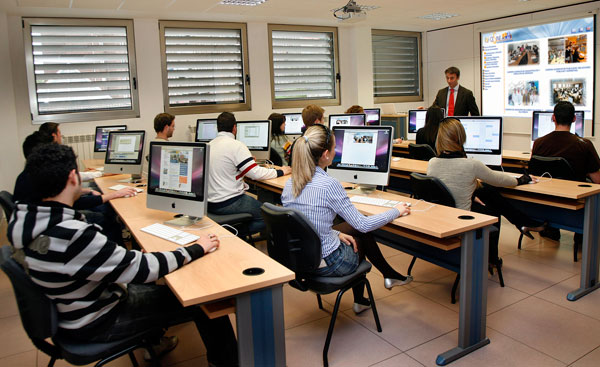 Technology in the Classroom One Big Learning Curve - The Online Mom