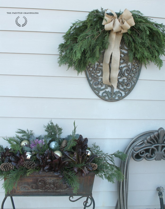 greenery-burlap-bow-side-house-christmas-porch