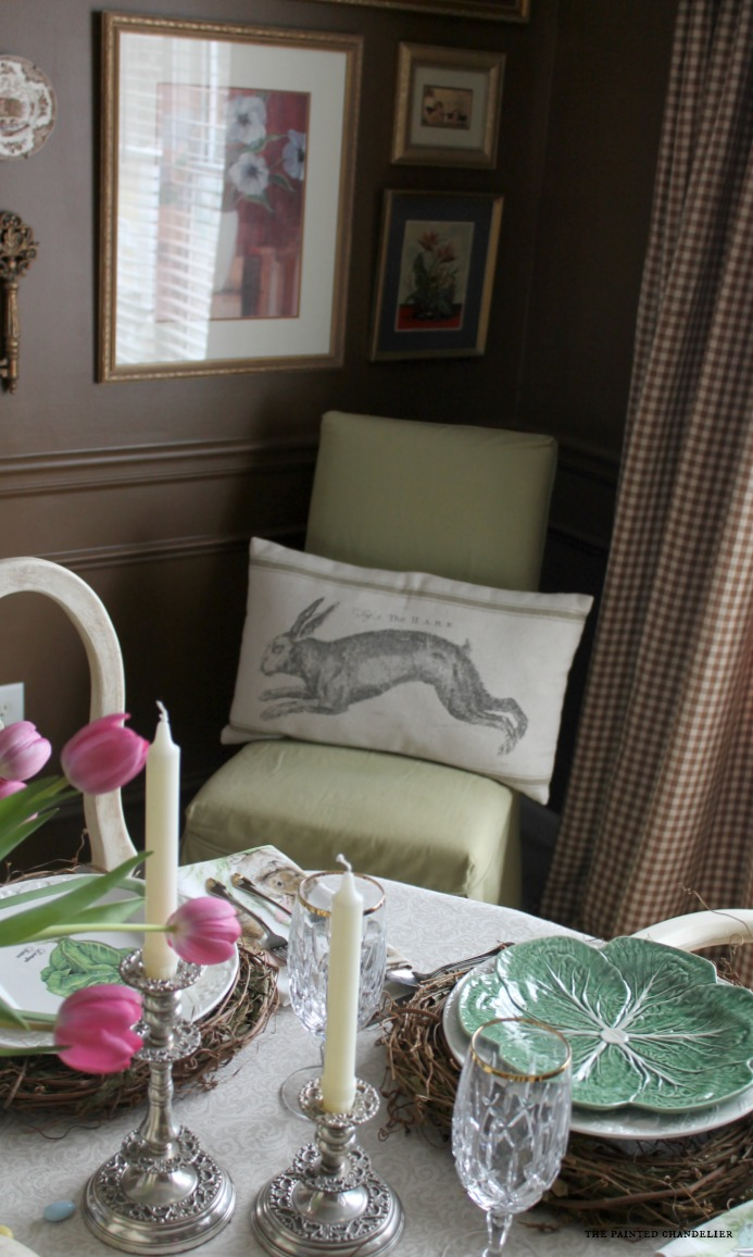 vintage-hare-on-grainsack-pillow-easter-dining-room