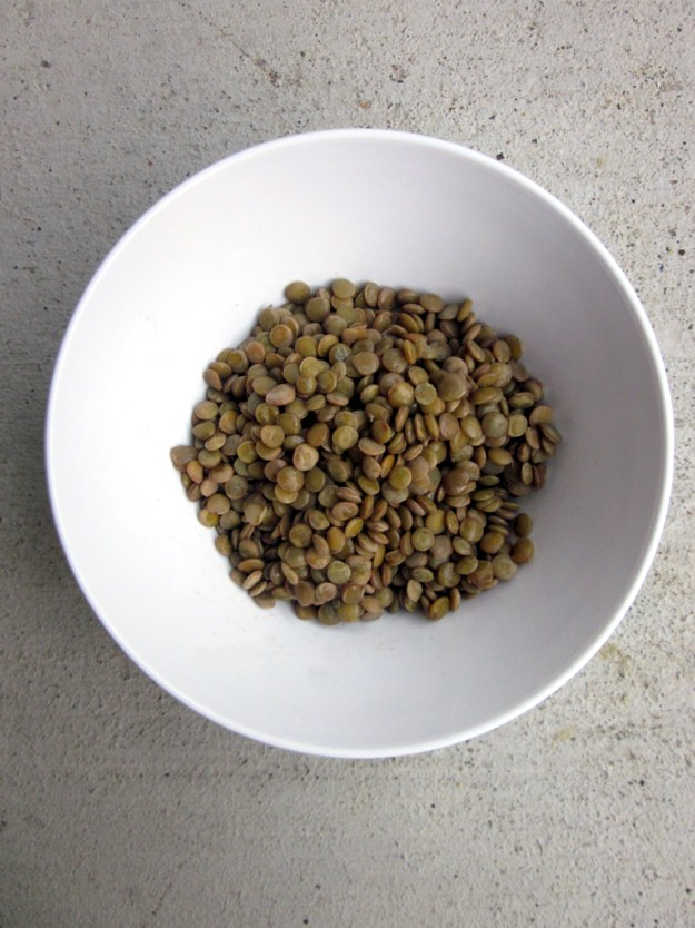{Detox} Roasted vegetable and lentil salad