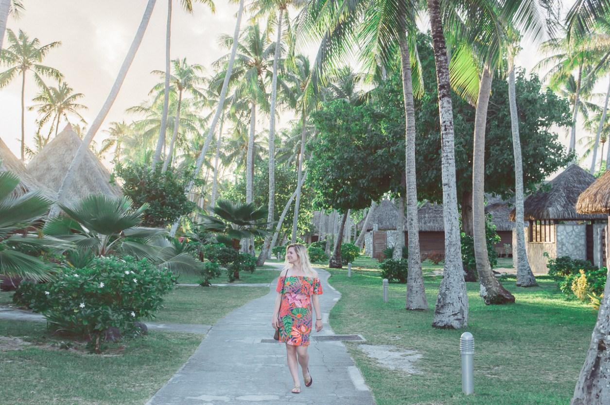 Hotel Kia Ora Rangiroa French Polynesia Outfit