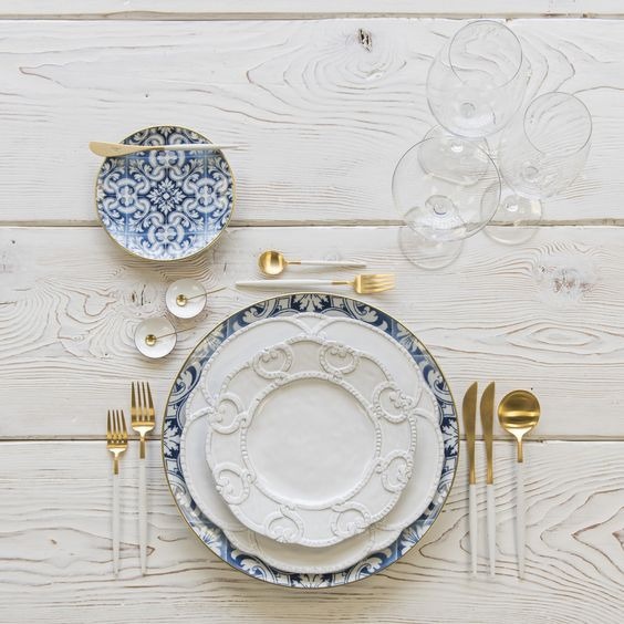 mixed metal gold and white table setting