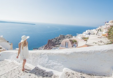15 safety tips for females traveling alone