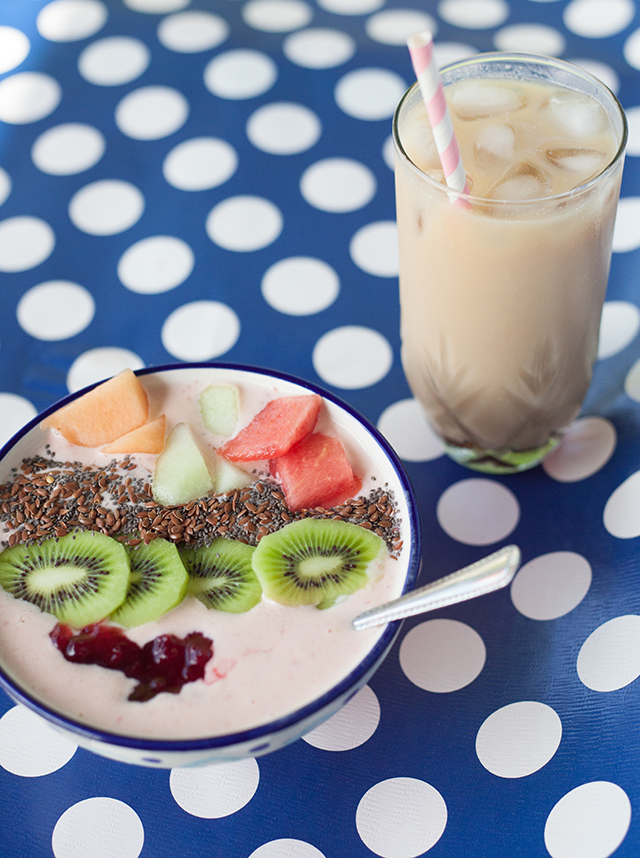 Sunrise Smoothie Bowl & Iced Coffee with Try the World
