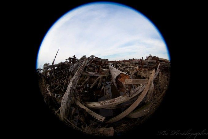 Chris Gampat The Phoblographer Canon 8-15mm tugboat graveyard (13 of 29)