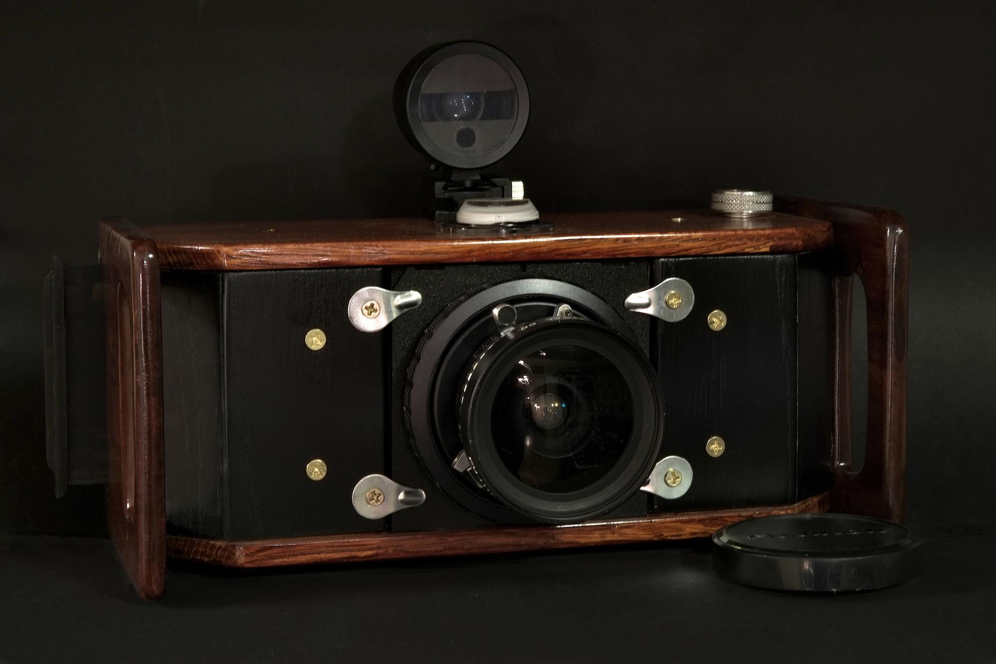Eirik Russel Roberts DIY 6x17 Camera