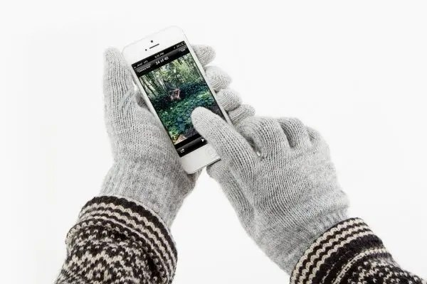 ten-digit-touchscreen-gloves-5618_600.0000001363139031