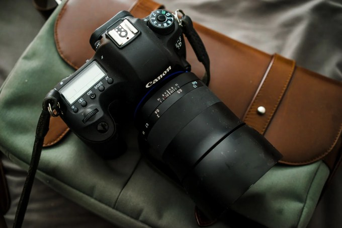 Chris Gampat The Phoblographer Zeiss 50mm f1.4 Milvus lens review product images (1 of 8)ISO 4001-200 sec at f - 4.0